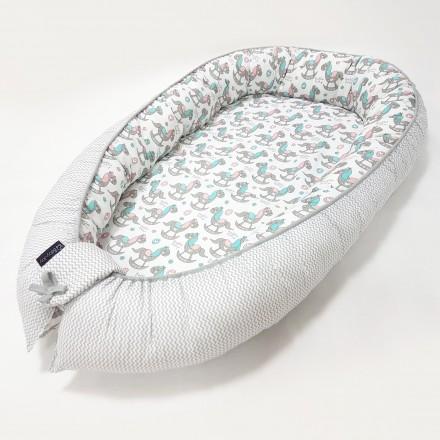 Baby-Joy Babynest Kokon Baby-Reisebett Baby Pod | ZICK ZACK Linie 100% Baumwolle 05 Pony